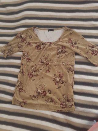 Brown tshirt