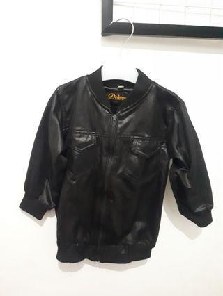 Jaket kulit look alike