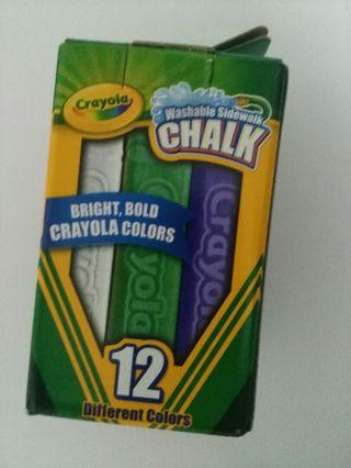 Crayola thick chalk