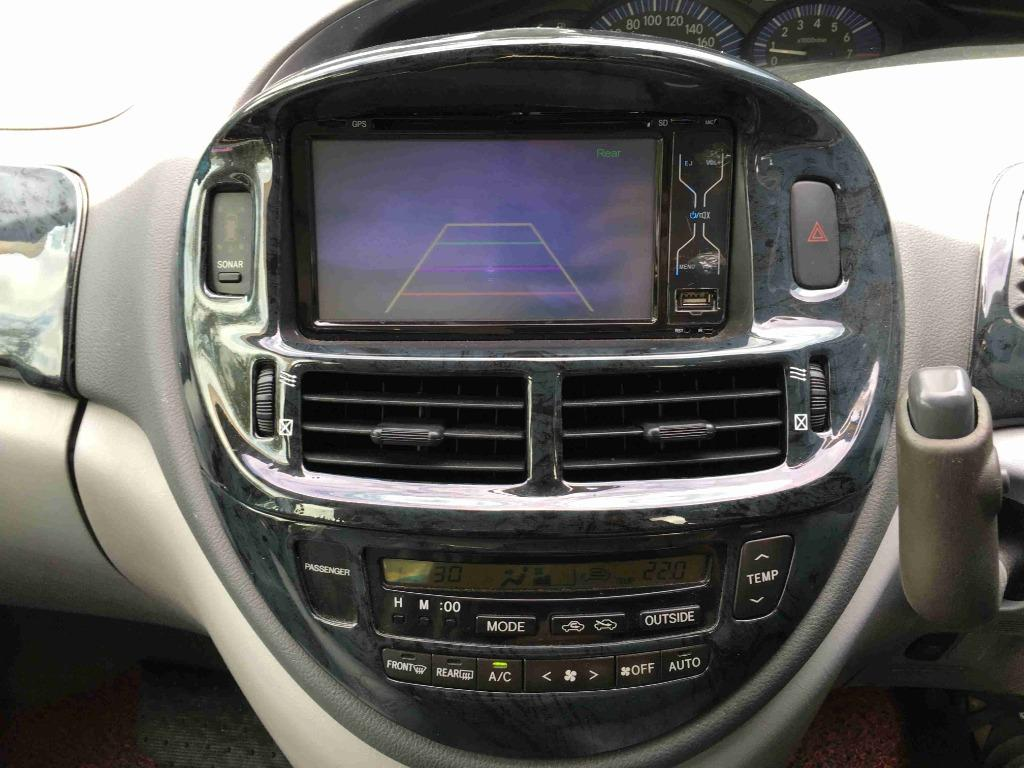 2004 Toyota Estima 2.4 Aeras (A) Power Door Sunroof Reverse Camera