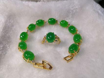Original Round Shape Green Jade's Stones Bracelet and Ring