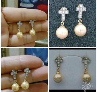 降~925純銀鍍K金 十字架耳環 硨磲貝 南洋貝寶珠