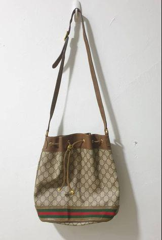 AUTHENTIC GUCCI GG BUCKET BAG