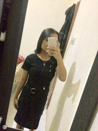 Simply dress black