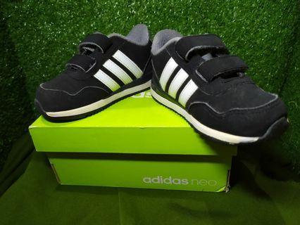 Sepatu Anak Adidas kids size 5k