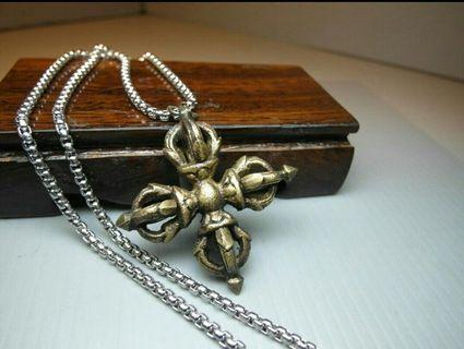 西藏拉薩*藏傳*法器*三色銅*十字金剛杵項鍊/常佩載者可驅邪,避煞,祥和,保平安,收藏品便宜出清1288元,只有一件喔!