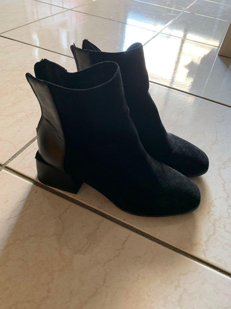 黑色拼接皮革踝靴 短靴