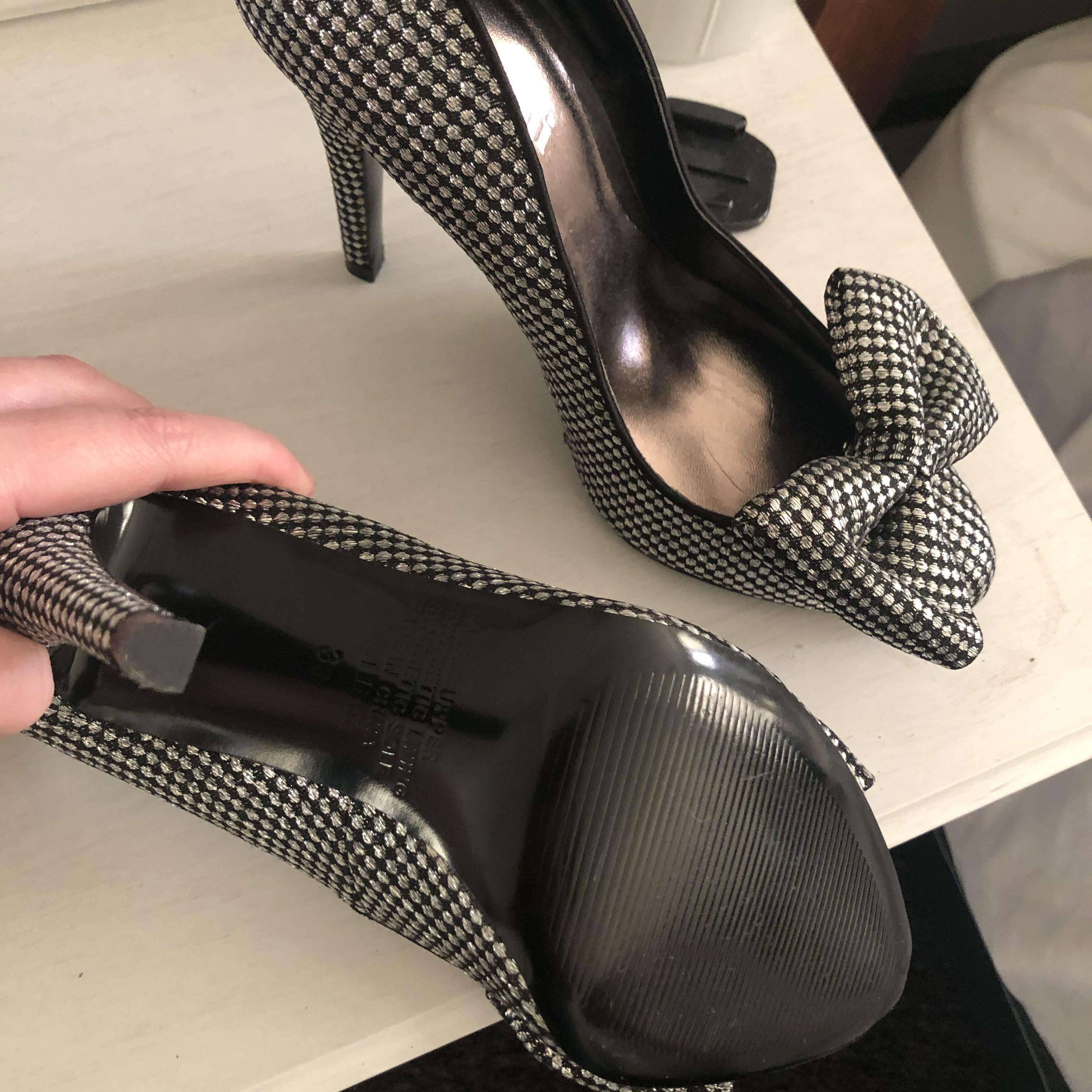 Mollini silver and black pumps / heels with detachable bows Sz 38EU