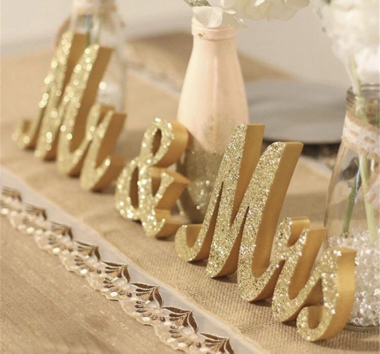 Mrs & Mr Wedding Sign
