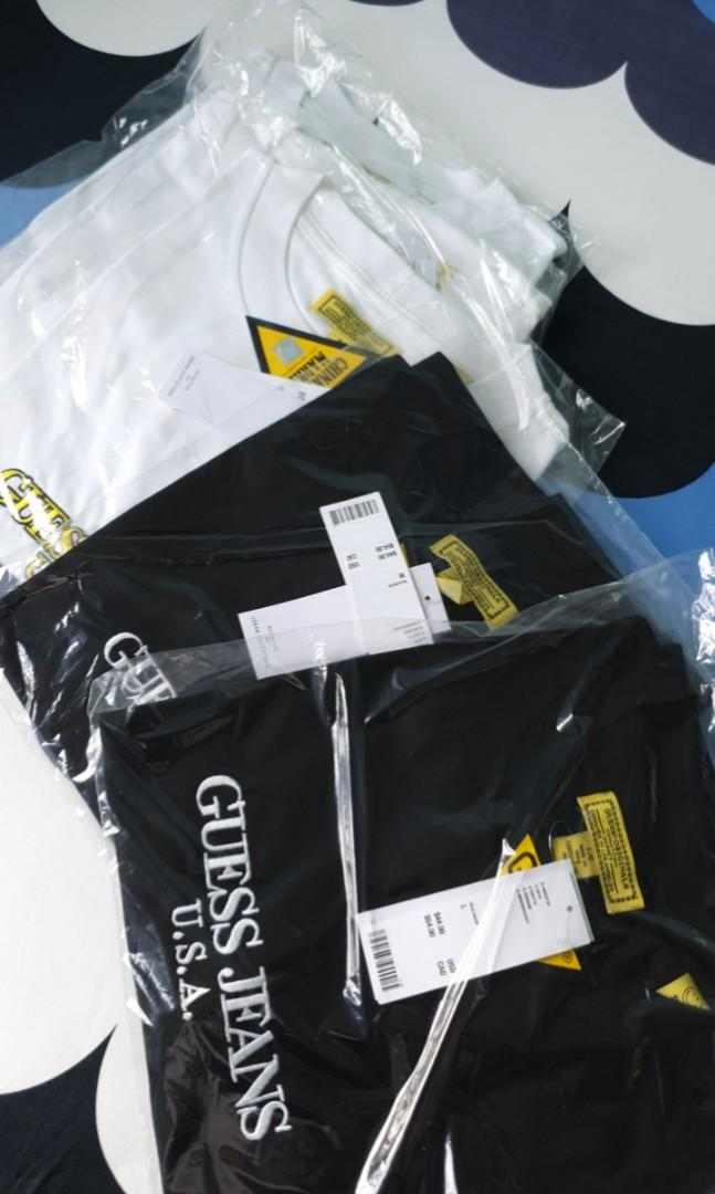 [💯STEAL💯] Guess x Chinatown Smiley Tee Black White M L