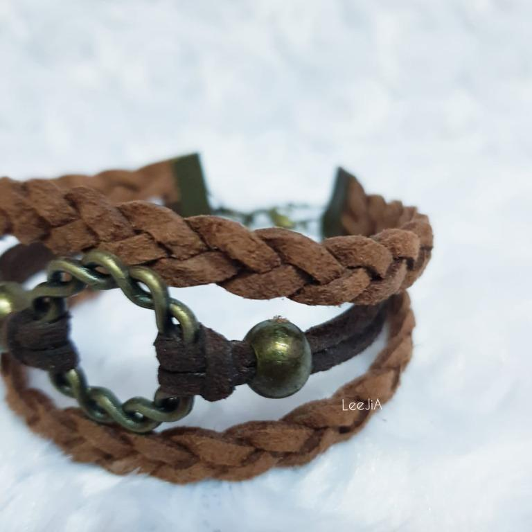 Suede Cord Rounded knod Layer Bracelet