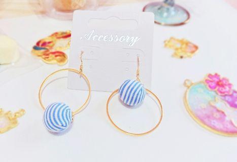 耳環 清新藍色條紋紐扣包布耳環不對稱耳勾耳環藍色#五折清衣櫃