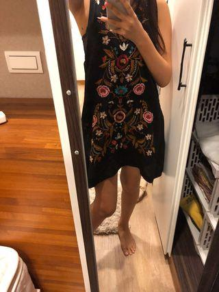 刺繡圖騰洋裝#五折清衣櫃
