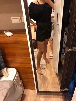 性感露背上衣+黑色短褲#五折清衣櫃