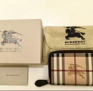 全新BURBERRY 經典戰馬格紋牛皮飾邊萬用中夾