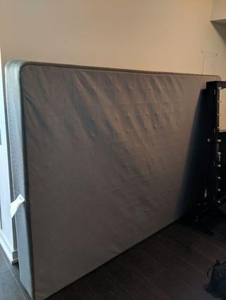 Queen size box spring,Like new