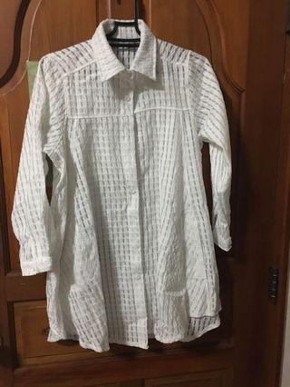 #五折清衣櫃 白色襯衫外套m-L適合