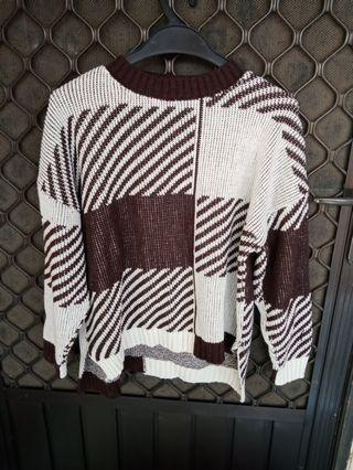 Never used! Top sweater brown