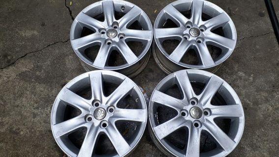 豐田汽車 Toyota vios yaris  4孔100 15吋原廠鋁圈加輪胎 185 60 15 corolla