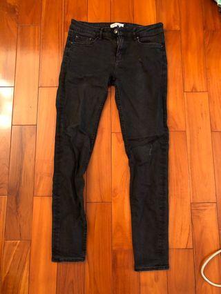 ZARA黑色顯瘦牛仔褲