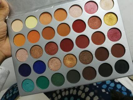 EYESHADOW JACKLYN HILL