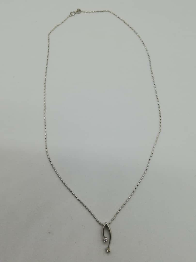 18K White Gold Chain + Diamond Pendant - weight 2.4g