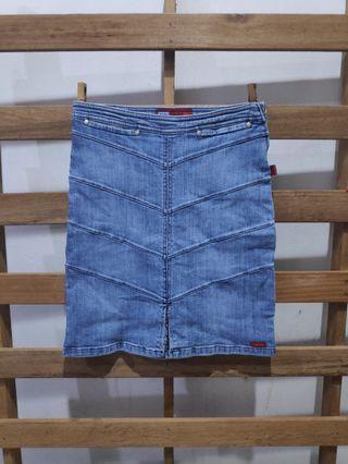 Denim new skirt