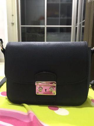 Miu miu crossbody bag ( Authentic )