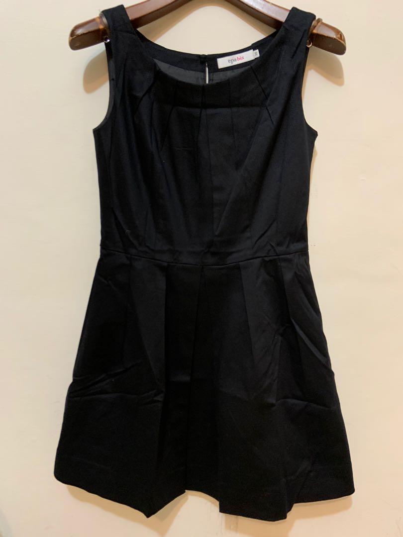 無袖黑色洋裝