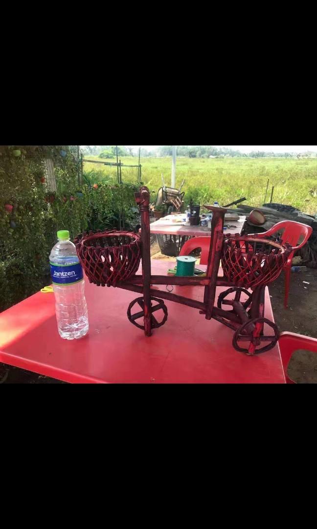 Basikal Hiasan c/w Bakul Buluh (tak termasuk pasu bunga & pokok bunga)