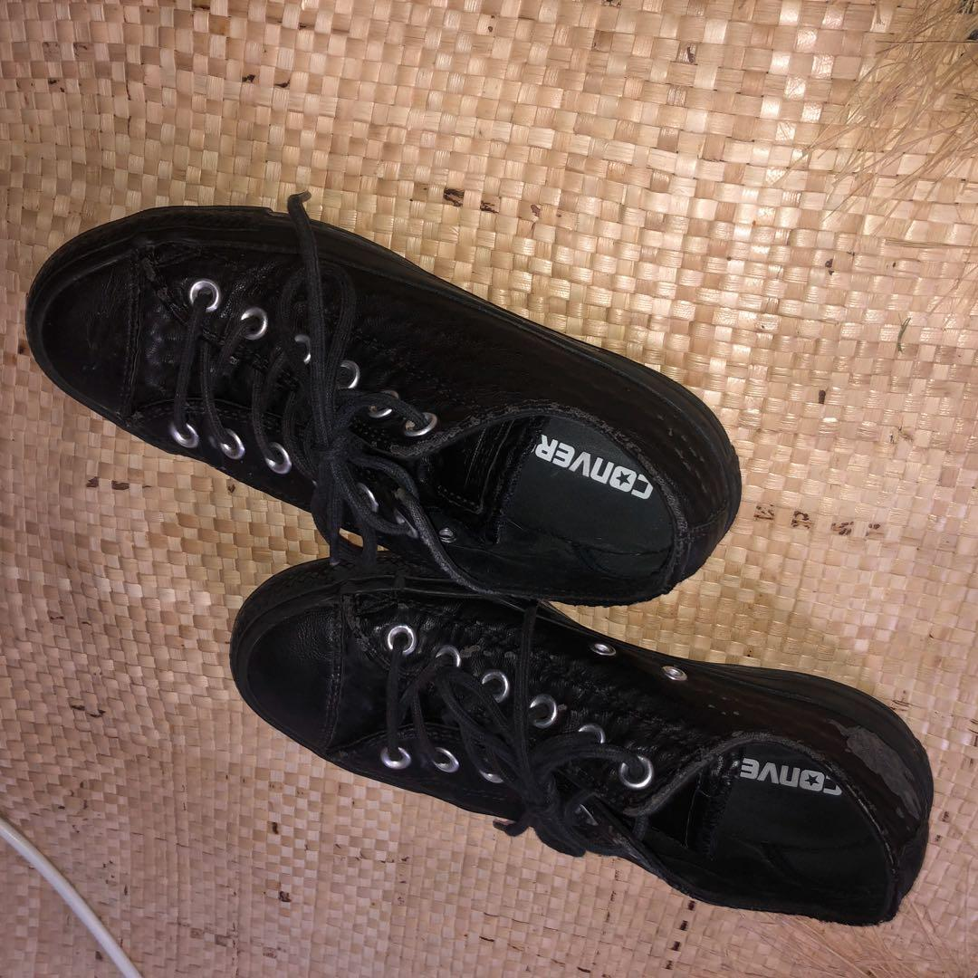 Black leather converse shoes size 7