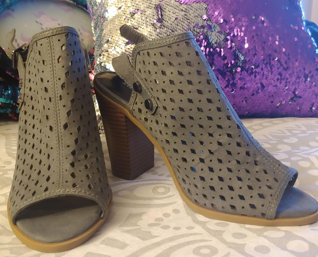 Brand new Faux suede Indigo rd.  open toe shoes size 6.5