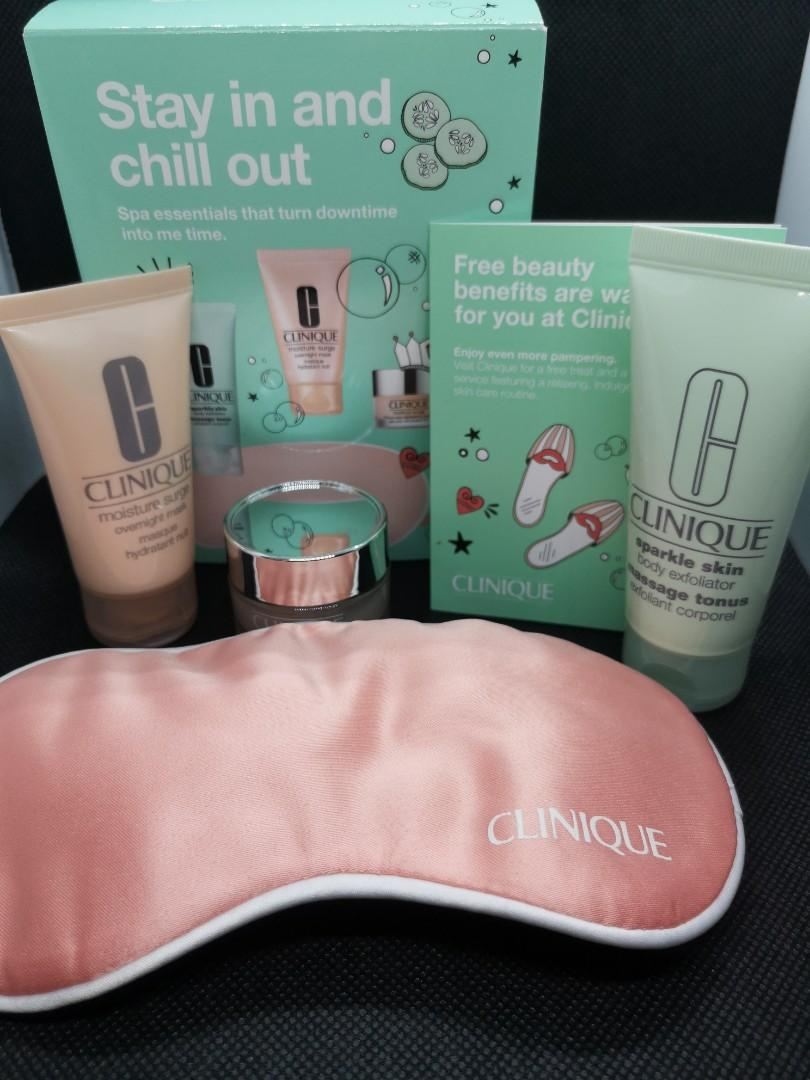 Clinique Stay in and Out 3 pieces set plus eye cover