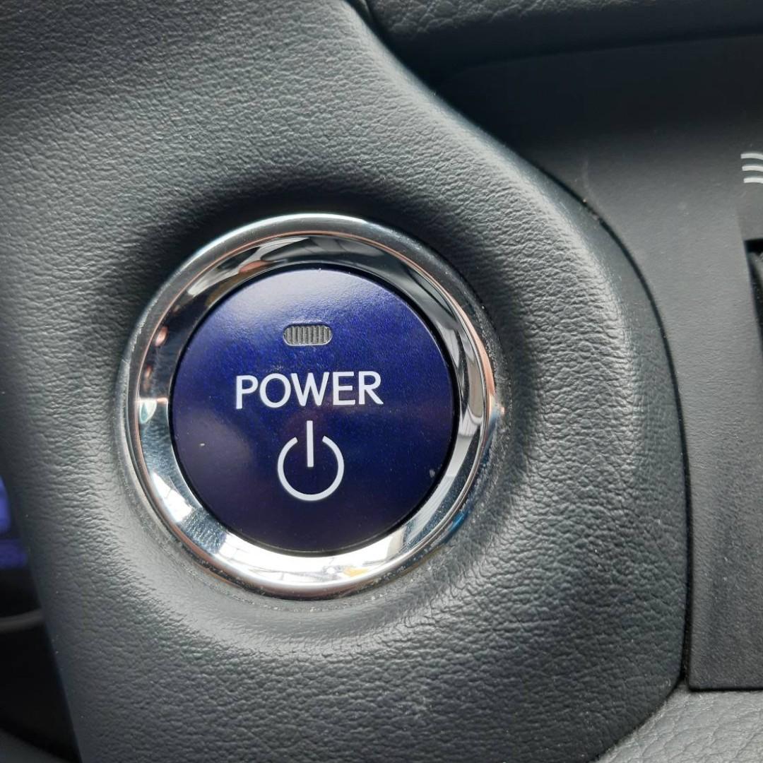 LEXUS CT200H 1.8cc 豪華版 油電複合動力 一手車 原鈑件