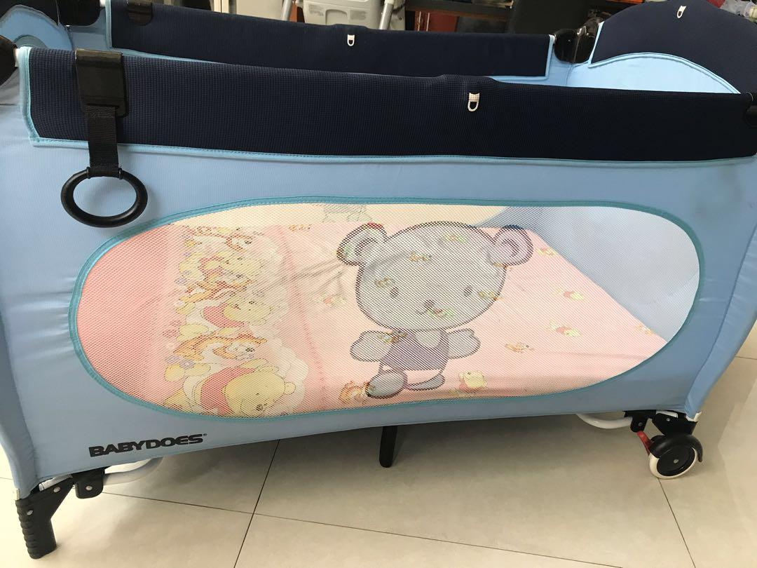 Preloved baby box BABYDOES  120x70cm (kasur/matras tdk termasuk)