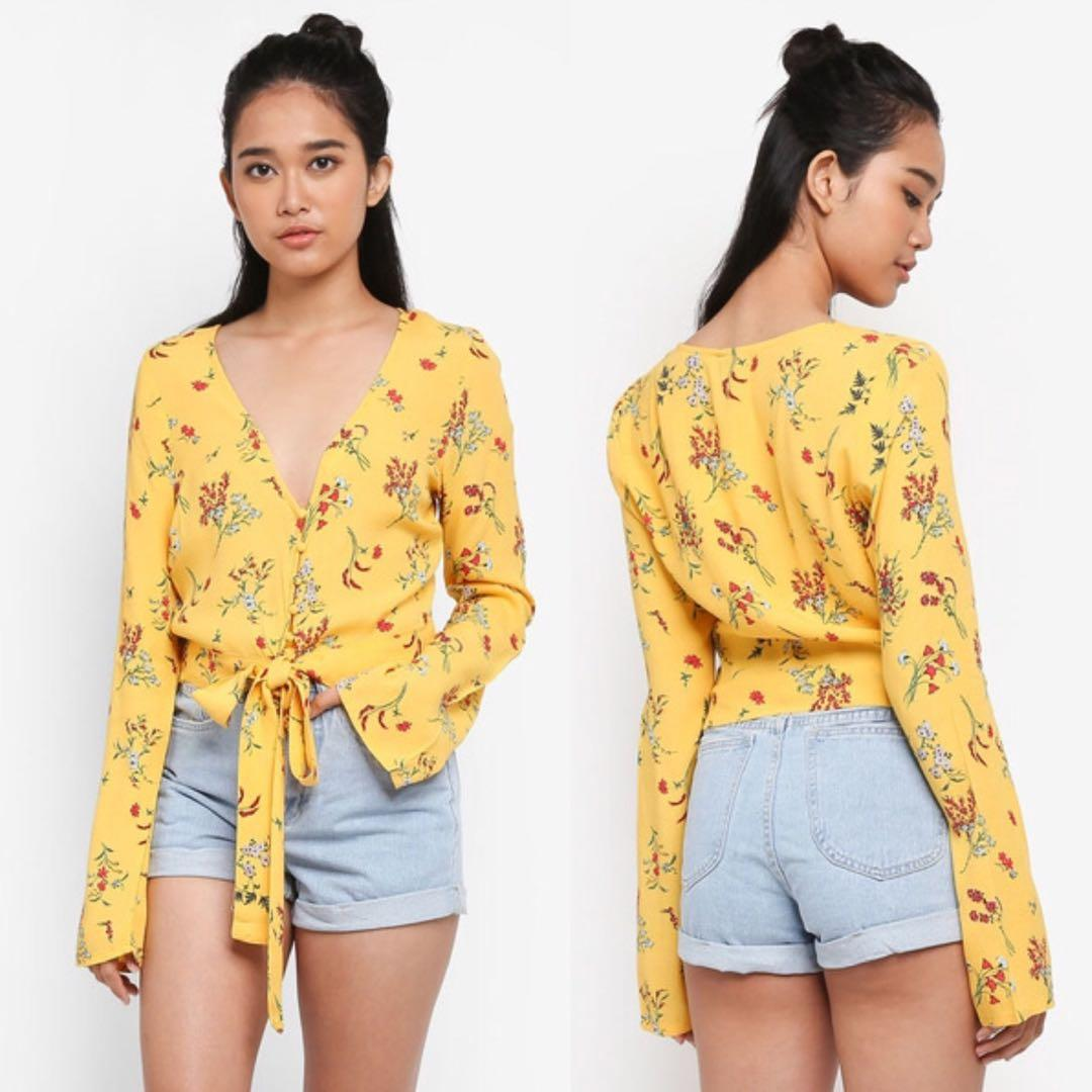 (UK6/ UK8) Factories Tootsie Floral Tie Front Blouse in Yellow