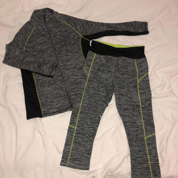 WOMEN'S MATCHING GREEN AND BLACK GYM/ACTIVEWEAR SET — BRAND NEW