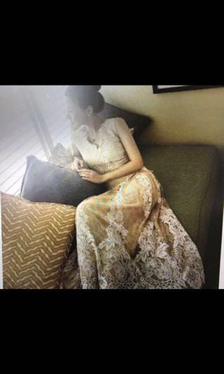 嫩膚色蕾絲長洋裝,九成五新