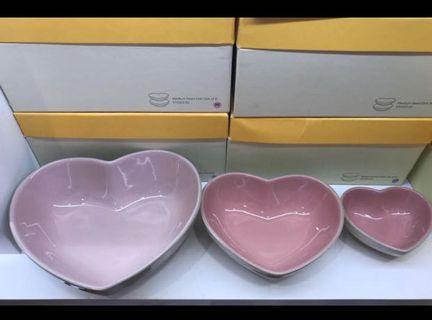 Le creuset heart shape dish (set of 3)