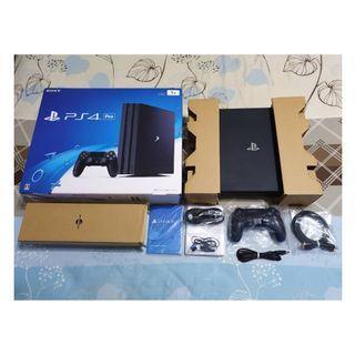 (買不到半年)PS4 PRO黑色完整盒裝主機