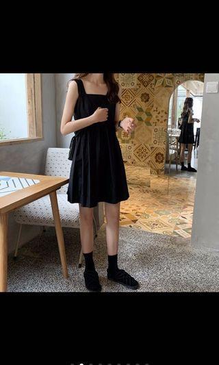 黑無袖洋裝