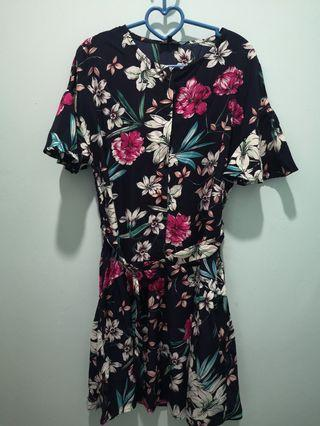 Zalora Floral Dress Size M