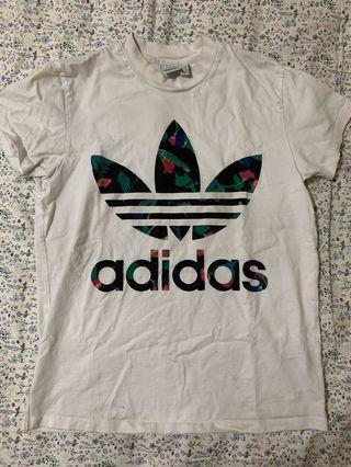 Adidas originals花卉oversize短T