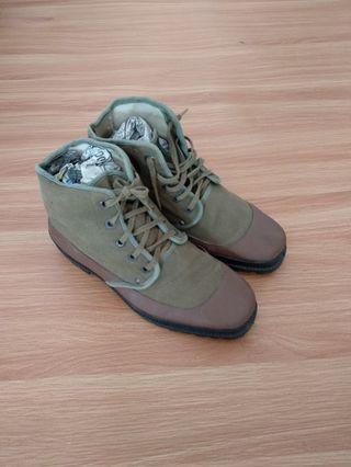 Sepatu fanbahar nenrknjn