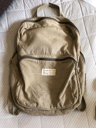 日本🇯🇵購入綠後背包