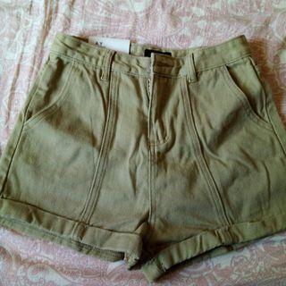 全新牛仔短褲 L號