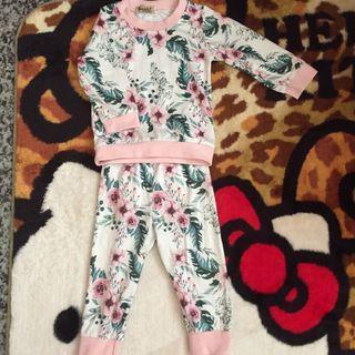 小女嬰套裝(90)