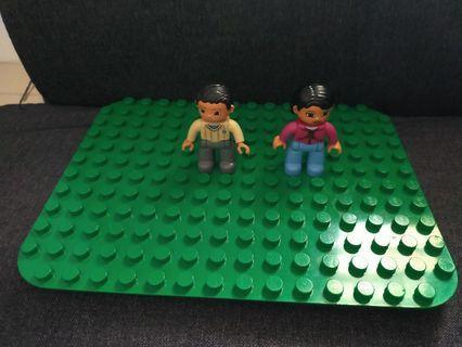 Lego duplo figure + baseplate