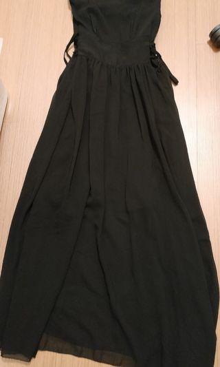 雪紡紗 黑色 背心長洋裝 , 裙擺有破損 高標請三思