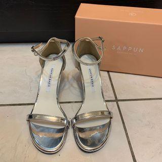全新 韓國 sappun 銀色細帶高跟涼鞋 24.5